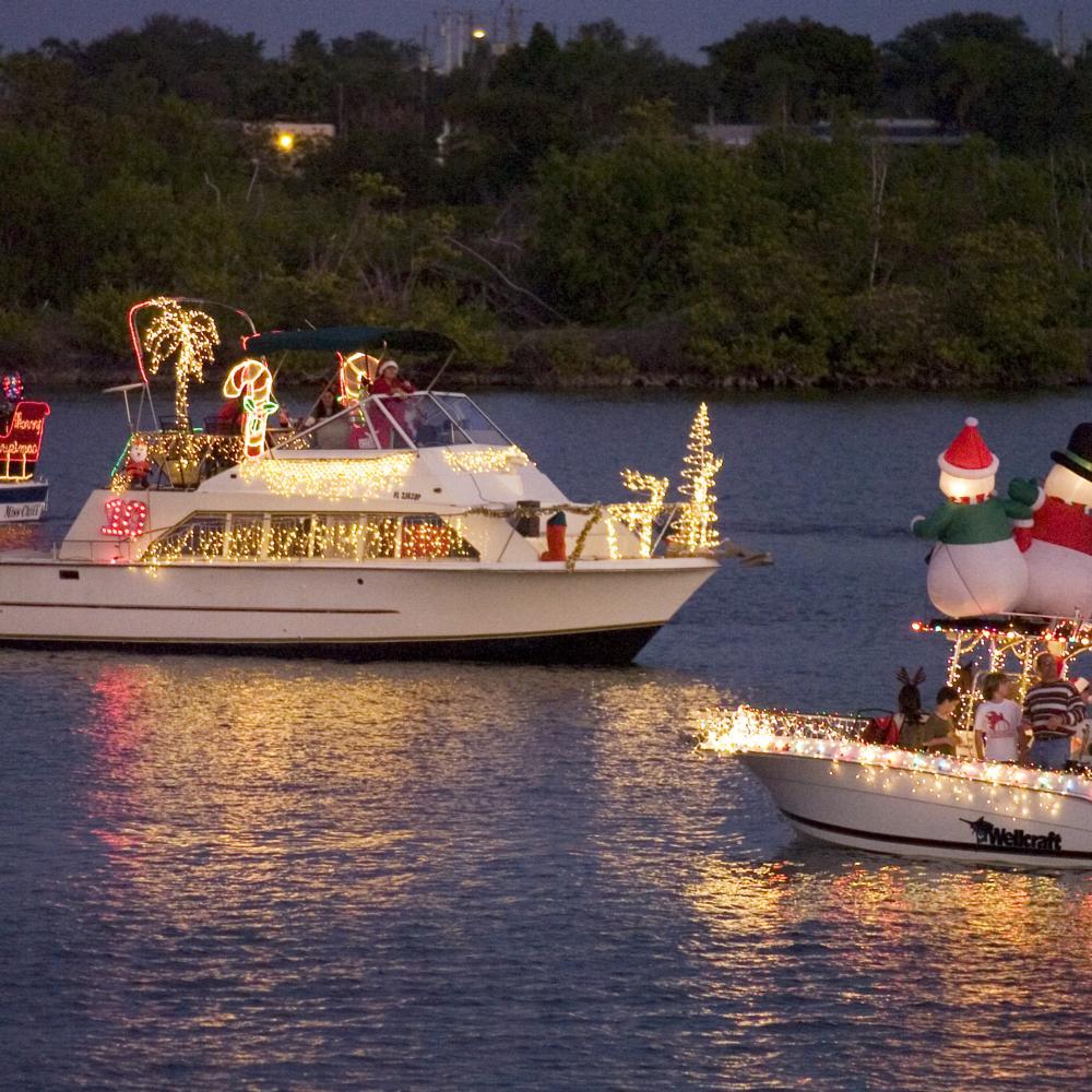 Holiday-Boat-Parade.jpg