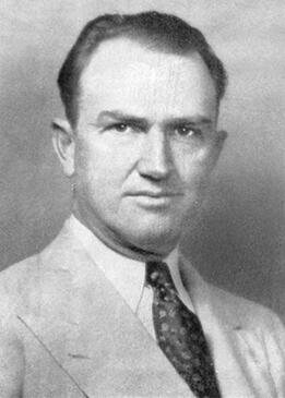 headshot of dennis hudson