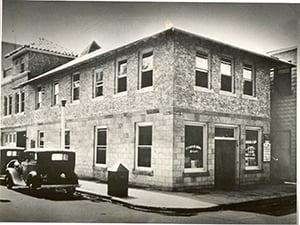 bw photo of citizens bank of stuart 1933