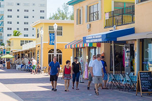 florida business shops with tourists