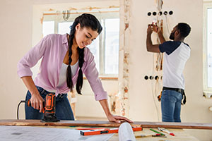 couple working on home improvement project